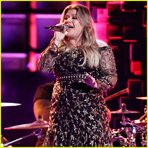 Kelly Clarkson Performs Her Song 'Medicine' on 'The Voice' Finale (Video)