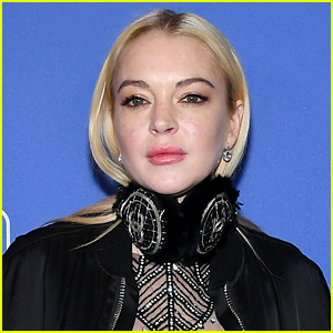 Lindsay Lohan Was Bit By a Snake, Shows Her Bite Wound