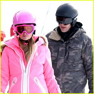 Paris Hilton & Chris Zylka Hit the Slopes in Aspen!