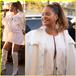 Rihanna Performs 'Loyalty' with Kendrick Lamar for First Time at TDE's Christmas Concert!