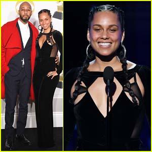 Alicia Keys Poses with Husband Swizz Beatz in Grammys 2018 Press Room