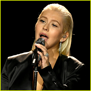 Christina Aguilera Mourns the Death of Her 17-Year-Old Dog