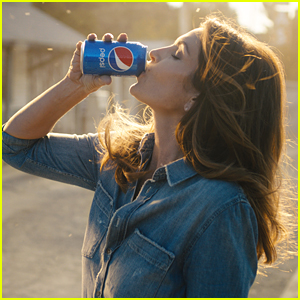 Cindy Crawford to Star in Pepsi Commercial with Son Presley!
