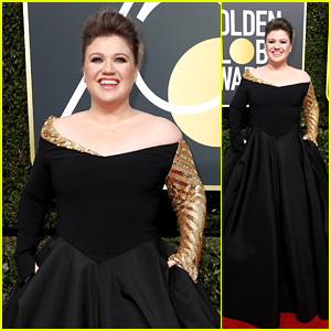 Kelly Clarkson Hits the Red Carpet in Black at Golden Globes 2018!