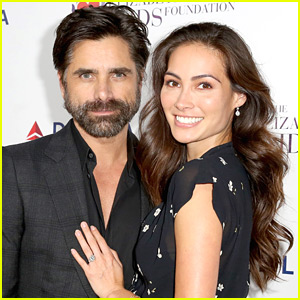 John Stamos & Pregnant Caitlin McHugh Tie the Knot in Beverly Hills!