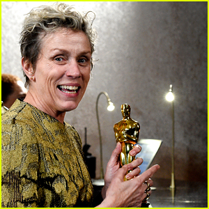 Frances McDormand Loses Her Oscar, But Is Reunited with It!