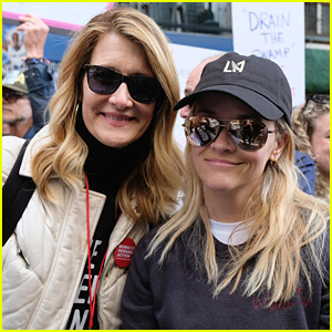 Reese Witherspoon & Laura Dern Join Forces at March for Our Lives in LA