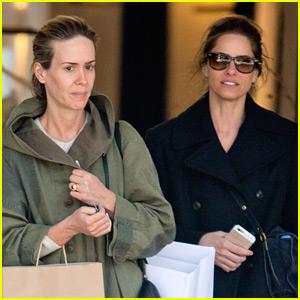 Sarah Paulson Goes Makeup-Free While Shopping with Amanda Peet