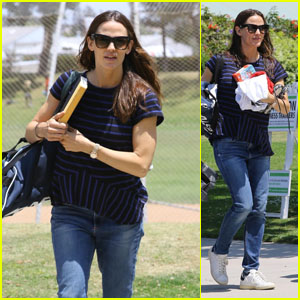Jennifer Garner Cheers on Her Son Samuel at His Basketball Game!