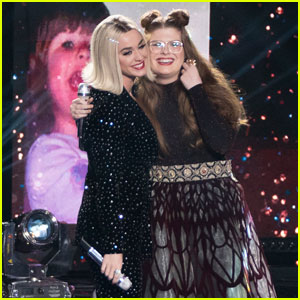 Katy Perry & Catie Turner Unite For 'Part of Me' Performance During 'American Idol' Finale