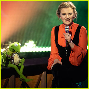 Watch Maddie Poppe Sing with Kermit the Frog on 'Idol' Finale!