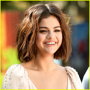 Selena Gomez Surprises Kids at Children's Hospital Prom