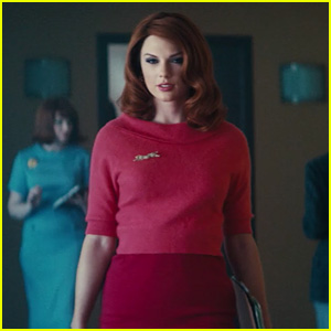 Taylor Swift Has Red Hair in