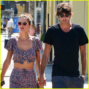 Alessandra Ambrosio Flaunts PDA with Her New Boyfriend!