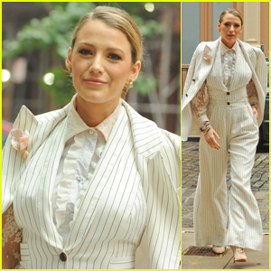 Blake Lively Looks Super Chic While Promoting Her Film 'A Simple Favor' in NYC!