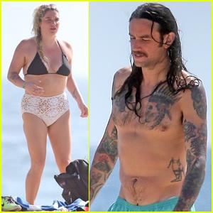 Kesha & Boyfriend Brad Ashenfelter Hit the Beach in Mexico!