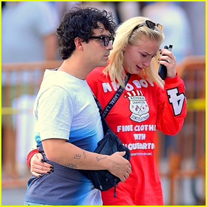 Sophie Turner Jokes About Photos of Her Crying While Joe Jonas Consoles Her