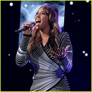 Deaf singer Mandy Harvey performs on Americas Got Talent - Business Insider