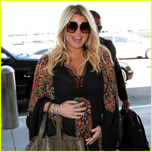 Jessica Simpson Cradles Baby Bump After Announcing Third Pregnancy!