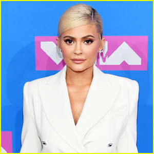 Kylie Jenner Just Tried Cereal & Milk For The First Time!