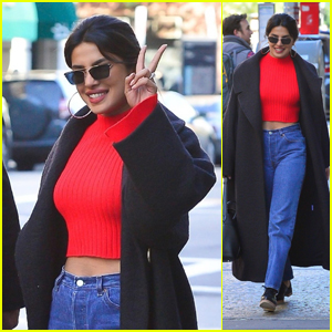 Priyanka Chopra Flashes a Peace Sign After Breakfast in NYC!