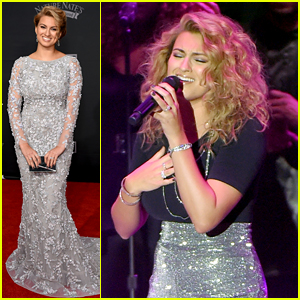 Tori Kelly Performs at GMA Dove Awards Ahead of Tour Launch