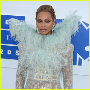 Beyonce Buys Out Ivy Park, Cuts Ties With Topshop's Sir Philip Green Amid Controversy