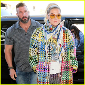 Kesha Travels Out of L.A. with Her Hot Bodyguard