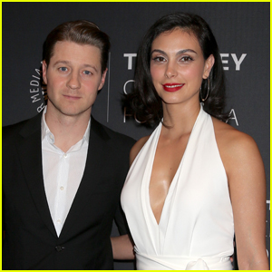 Ben McKenzie & Wife Morena Baccarin Promote Final Season of 'Gotham'!