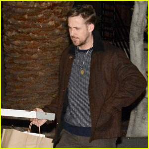 Ryan Gosling Ends His Weekend By Getting Takeout for Dinner