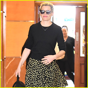 Elizabeth Banks Steps Out for Lunch with Husband Max Handelman