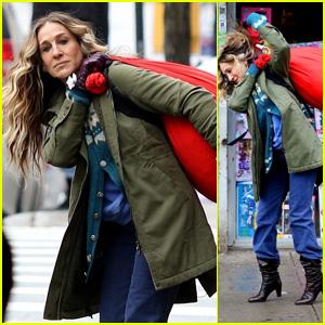 Sarah Jessica Parker Carries a Big Laundry Bag on the Set of 'Divorce'!