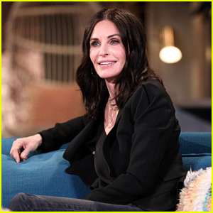 Courteney Cox Was at Jennifer Aniston's House When She Posted That 'Friends' Instagram!