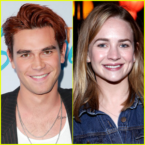 KJ Apa & Britt Robertson Seen Kissing & Cuddling at Comic-Con Party!