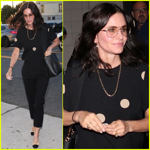 Courteney Cox Meets Up with Friends for Dinner in Santa Monica