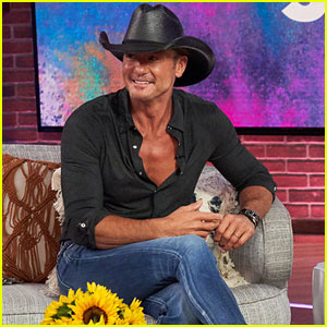 Tim McGraw Reveals His Romantic Anniversary Gift for Faith Hill