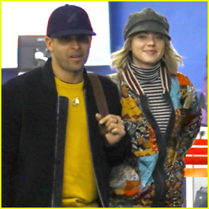 Wilmer Valderrama & Girlfriend Amanda Pacheco Couple Up for Flight Out of LAX