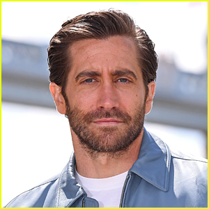 Jake Gyllenhaal Responds to Reports That He Displays Framed Photos of Himself In His Home