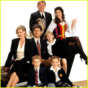 'The Nanny' Original Cast to Reunite for a Table Read
