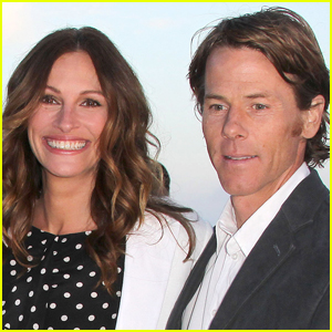 Julia Roberts Shares Super Rare Photo with Husband Daniel Moder on Their Anniversary!