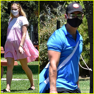 Pregnant Sophie Turner Hangs Out at the Park with Joe Jonas