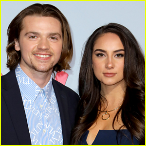 Kissing Booth's Joel Courtney Is Married to Mia Scholink!