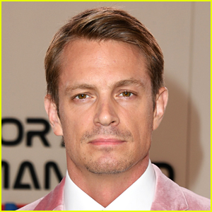 Shirtless Joel Kinnaman Eats Breakfast in Bed on His 41st Birthday (Photo)