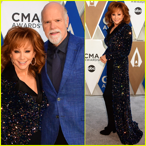 Reba McEntire is Supported by Boyfriend Rex Linn at CMA Awards 2020!