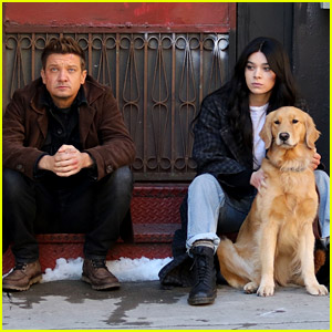 Jeremy Renner & Hailee Steinfeld Take a Break with Lucky the Pizza Dog in More 'Hawkeye' Set Photos