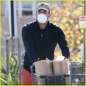 Jon Hamm Stocks Up on Groceries Ahead of the Weekend