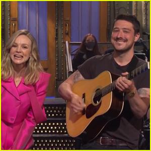 Carey Mulligan's 'Saturday Night Live' Monologue is Crashed by Husband Marcus Mumford - Watch!