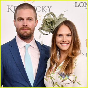 Stephen Amell Fires Back at Report That He Was 'Forcibly Removed' From Airplane After Argument with Wife Cassandra Jean