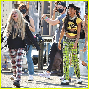 Willow Smith & Avril Lavigne Team Up For A New Music Video