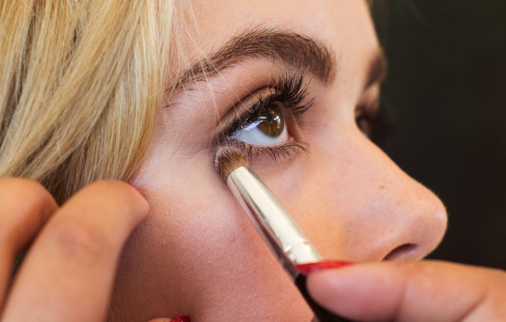 Kiernan Shipka Behind The Scenes with eye make up